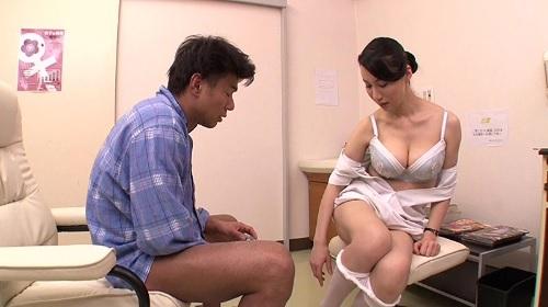 精液採取に失敗した熟年看護師が自ら奉仕して2発目を採取する