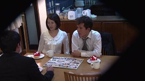 谷原希美 同窓会で久しぶりに会った人妻になった先生を襲っちゃう元生徒