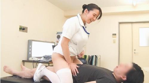 三島奈津子 爆乳看護師が男性患者と診察室で中出しSEX