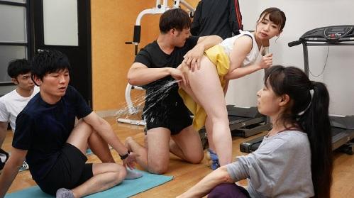 大浦真奈美 女子アナがヨガ体験教室で羞恥豪快潮吹き