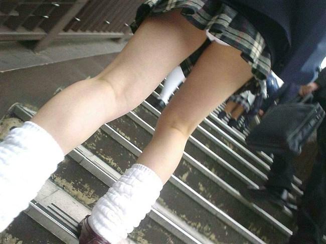 絶対目視してはいけない!階段下からミニスカJKを見上げる絶景www0018shikogin