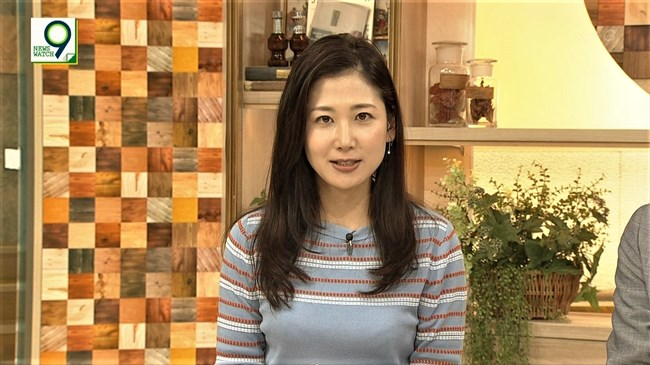 桑子真帆~NEWS WATCH 9で超突き出たニット服での胸元にニュースそっちのけで興奮!0004shikogin