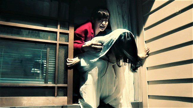 芳根京子~月9ドラマ海月姫でウェディングドレス姿の胸元から乳首ポロリか!?0008shikogin
