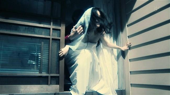 芳根京子~月9ドラマ海月姫でウェディングドレス姿の胸元から乳首ポロリか!?0010shikogin