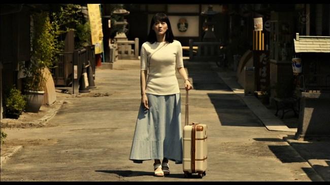 綾瀬はるか~本能寺ホテルのテレビ初放映で明らかになった巨乳過ぎるヒロイン!0002shikogin