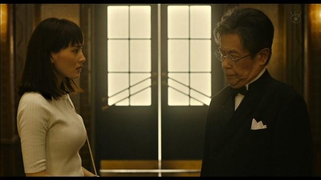 綾瀬はるか~本能寺ホテルのテレビ初放映で明らかになった巨乳過ぎるヒロイン!0011shikogin