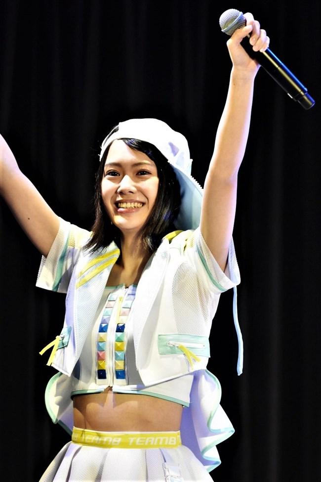 小田えりな[AKB48]~バッチこーい!のナマ着替えで無防備な白パンチラを見せてくれたぞ!0013shikogin
