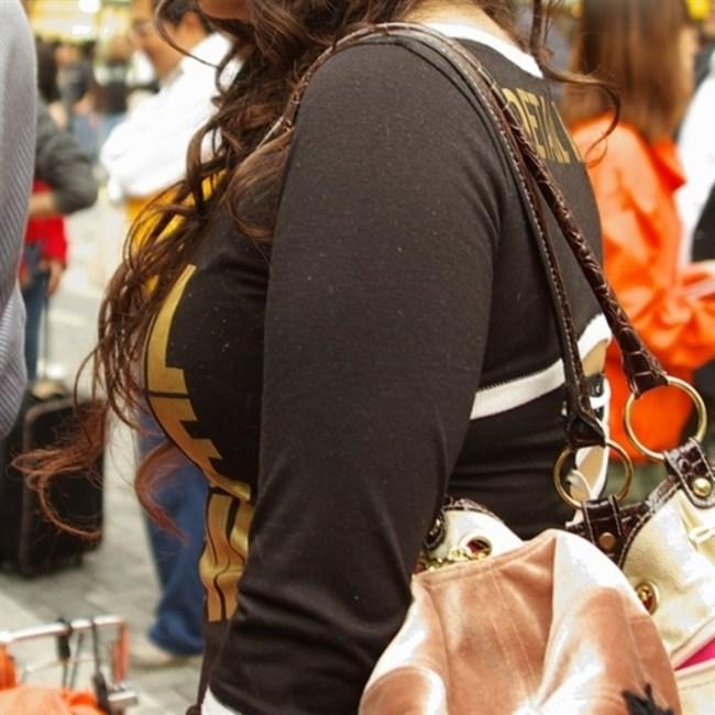 春ということで爆乳女子の着衣おっぱいが刺激的な季節が到来wwwww0010shikogin