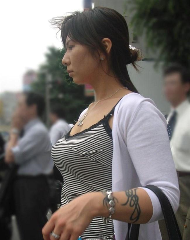 春ということで爆乳女子の着衣おっぱいが刺激的な季節が到来wwwww0015shikogin