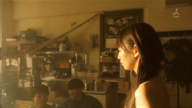 吉岡里帆~ドラマ「きみが心に棲みついた」で早くもセクシー場面があり興奮!0011shikogin