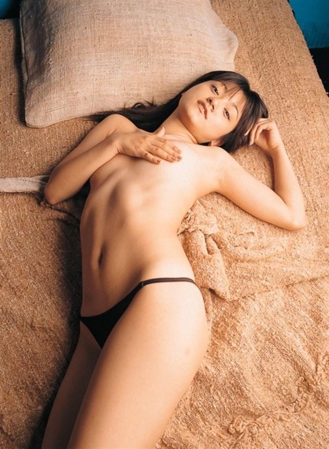 乳首だけを手で隠した女子お手ブラ姿は寸止め感抜群でえちえちwwwww0002shikogin