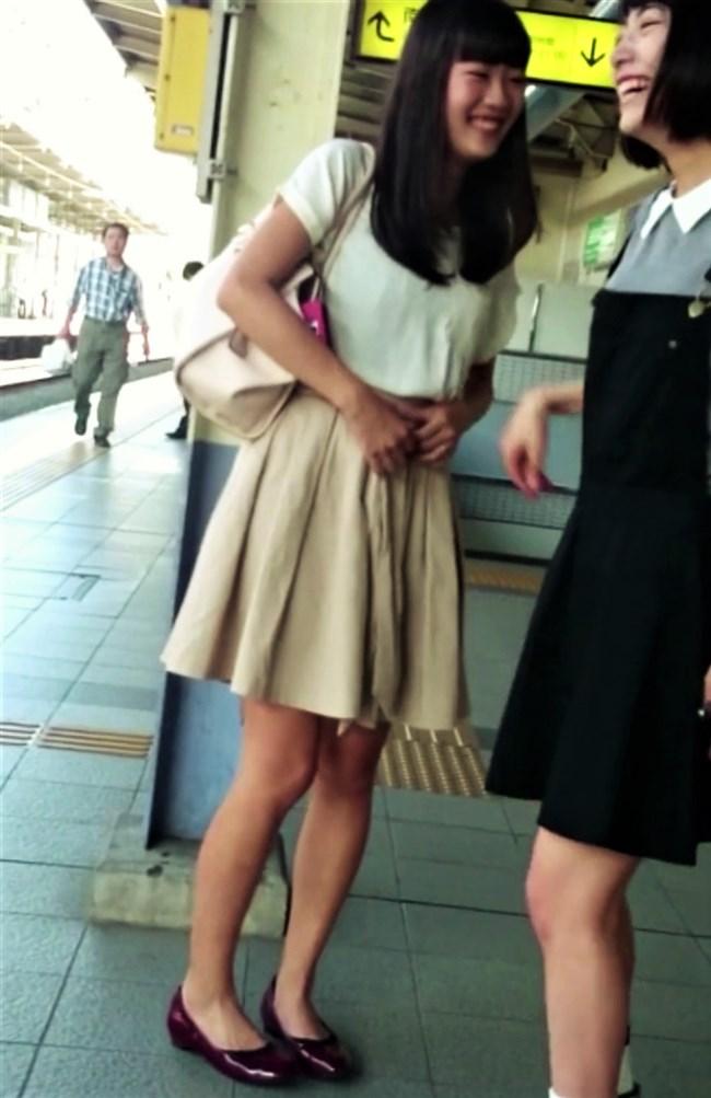 北野日奈子[乃木坂46]~盗撮映像に日奈子チャンの丸見えな逆さ撮りパンチラが収録されていた!0004shikogin