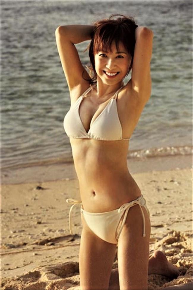 大場久美子~還暦近い水着グラビアは意外と可愛くてエロボディーで興奮する!0005shikogin