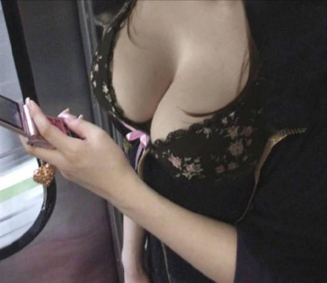 薄着女子のぷっくりして美味しそうな着衣おっぱいwwwwww0002shikogin