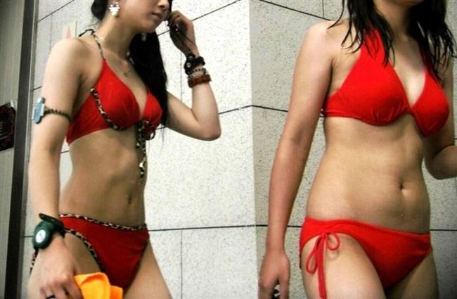 もうすぐ海水浴シーズン!真夏のビーチではしゃぐ素人女子の破廉恥な水着姿を予習www0002shikogin