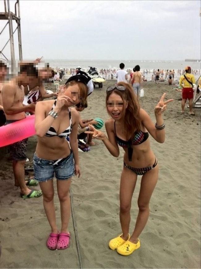 もうすぐ海水浴シーズン!真夏のビーチではしゃぐ素人女子の破廉恥な水着姿を予習www0012shikogin