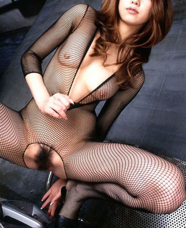 股間を熱くさせるスレンダー美女のえちえち下着姿wwww0011shikogin