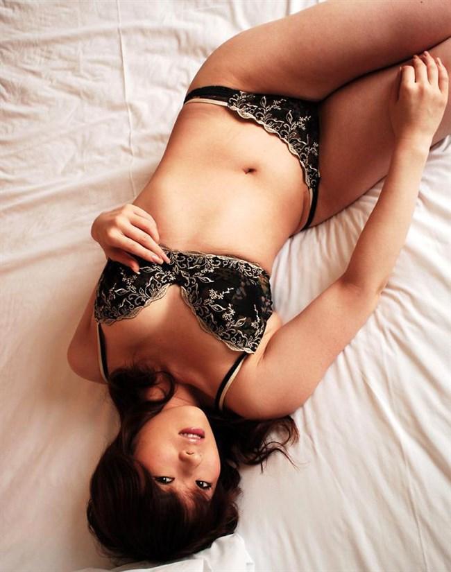 股間を熱くさせるスレンダー美女のえちえち下着姿wwww0017shikogin