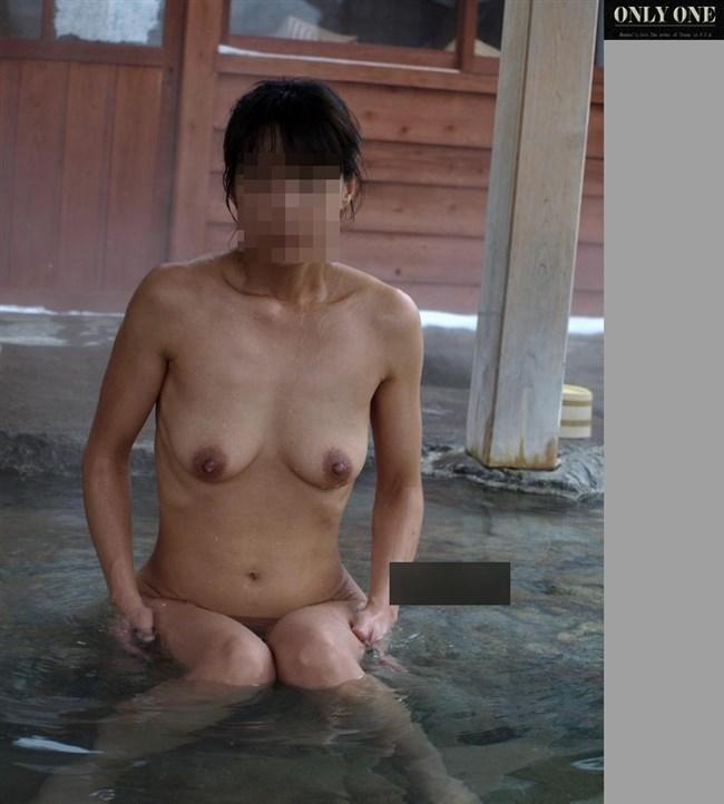 GWに彼女と混浴撮影してきたカップルのプライベート画像が流出wwww0013shikogin