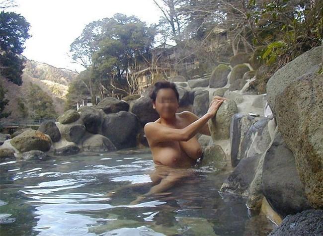 GWに彼女と混浴撮影してきたカップルのプライベート画像が流出wwww0020shikogin