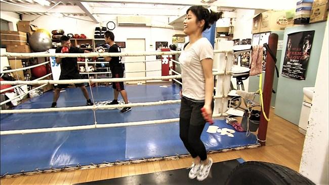 万波奈穂3段~囲碁界のアイドルがピタピタの薄着でトレーニングしていたぞ!0005shikogin