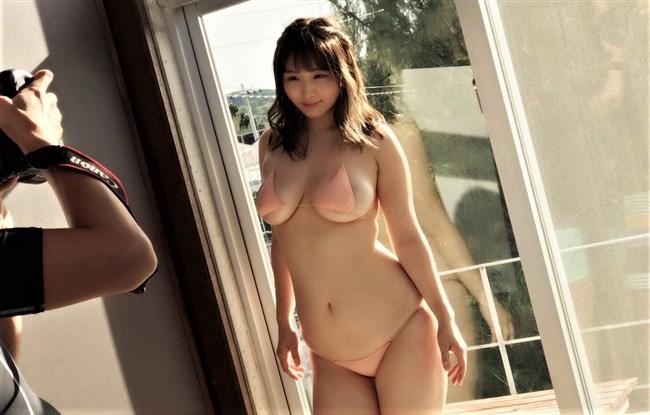 吉田実紀~爆乳グラドルの極エロ水着撮影会の模様と貴重なグラビア!0009shikogin