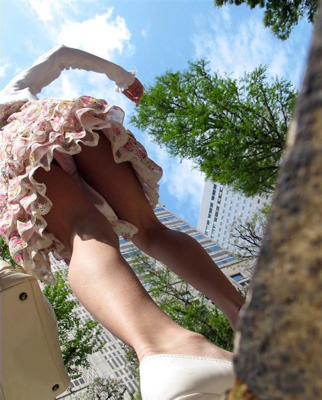 階段を昇るスカート女子をあり得ないローアングル目線で眺める絶景www0004shikogin