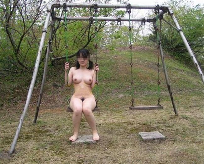 見られてしまうスリルでぐしょぐしょにおま〇こを濡らしてしまう露出女子の行動www0022shikogin