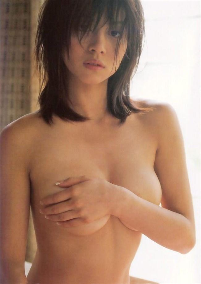 手ブラによる寸止め感が全裸より好きなんですがwwwwww0017shikogin