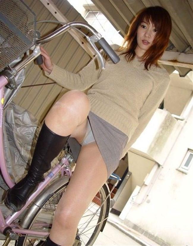 自転車をミニスカで乗られるとスカートの中が気になって仕方ないんだがwww0003shikogin