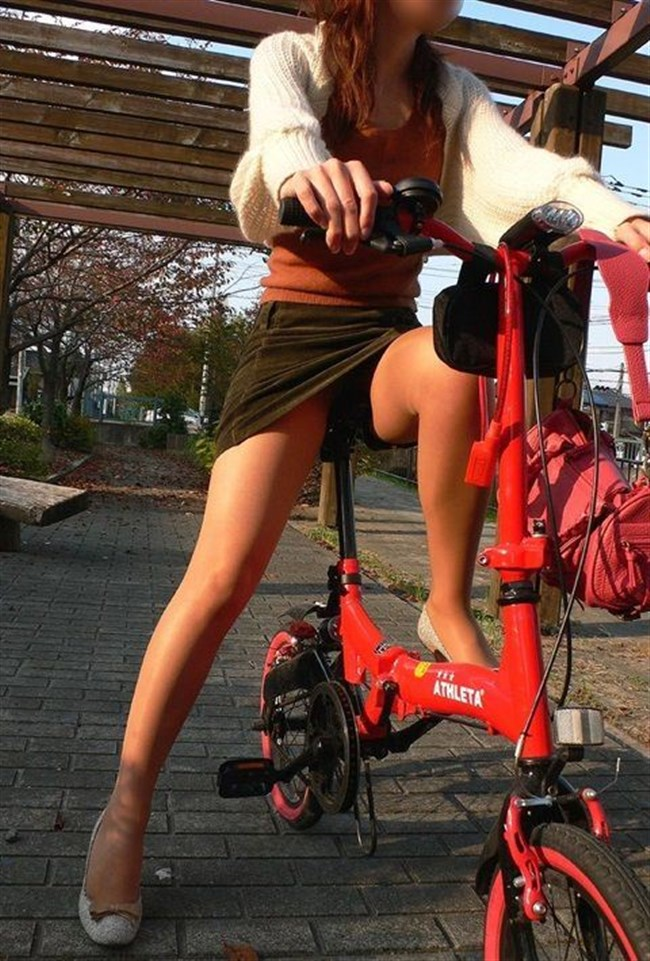 自転車をミニスカで乗られるとスカートの中が気になって仕方ないんだがwww0005shikogin