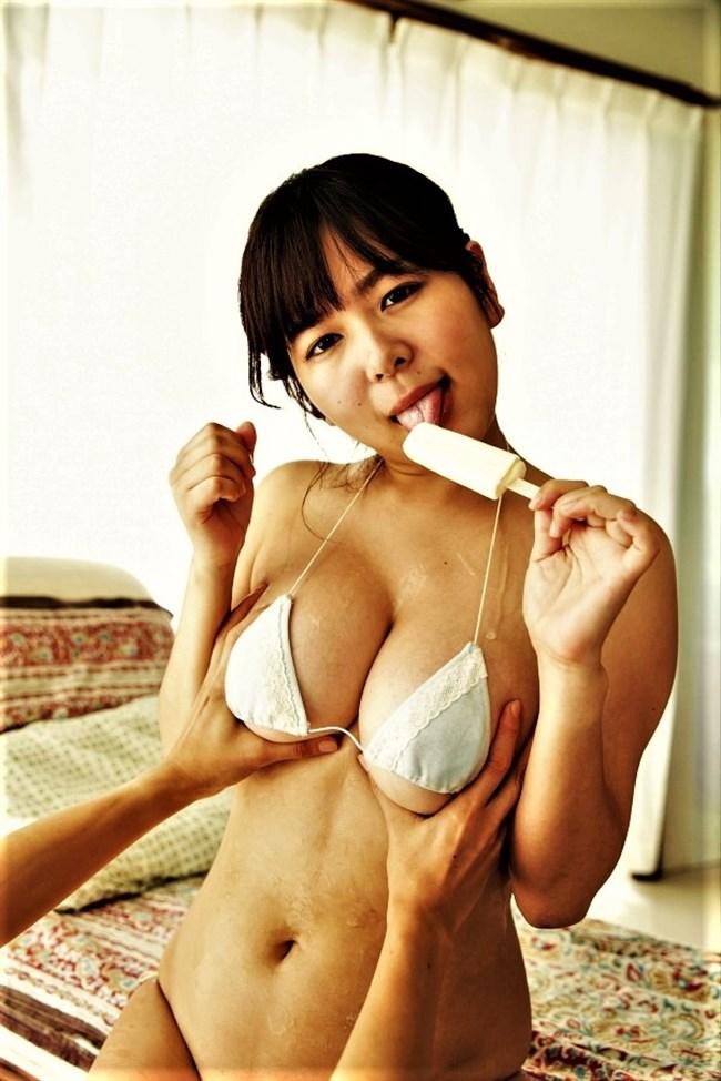 松川悠菜~Hカップの美形新鋭グラドル登場!ミルキーグラマーは着エロで必見!0007shikogin