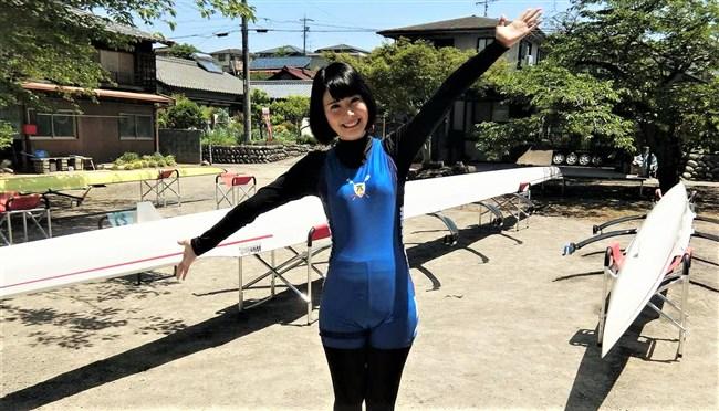 望木聡子~名古屋テレビの美形アイドルアナがミニスカで大胆な白パンチラ!0011shikogin