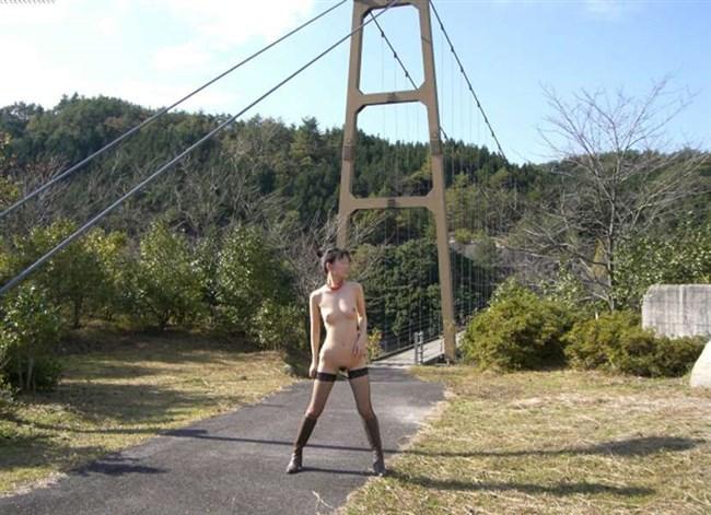 変態露出狂が大自然をバックに開放的になり過ぎた結果wwww0013shikogin