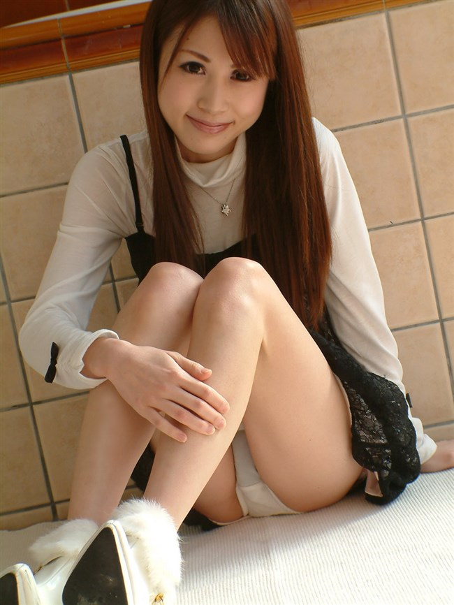 ミニスカ女子が座りパンチラで男を誘惑するとこうなるwwwww0012shikogin