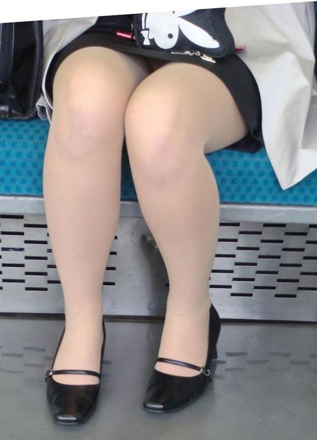 電車内でミニスカ女性が座った時の目のやり場wwwwww0004shikogin