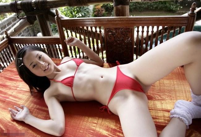 全裸よりえちえちになるエグい水着を付けた女子wwwwww0020shikogin