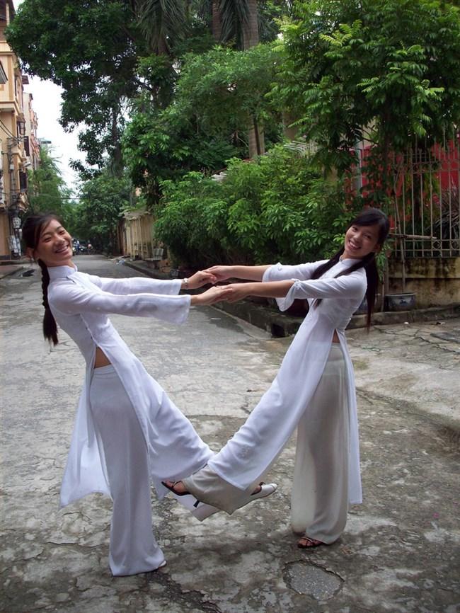 ベトナムのアオザイが透けまくっててえちえちwwwwww0002shikogin