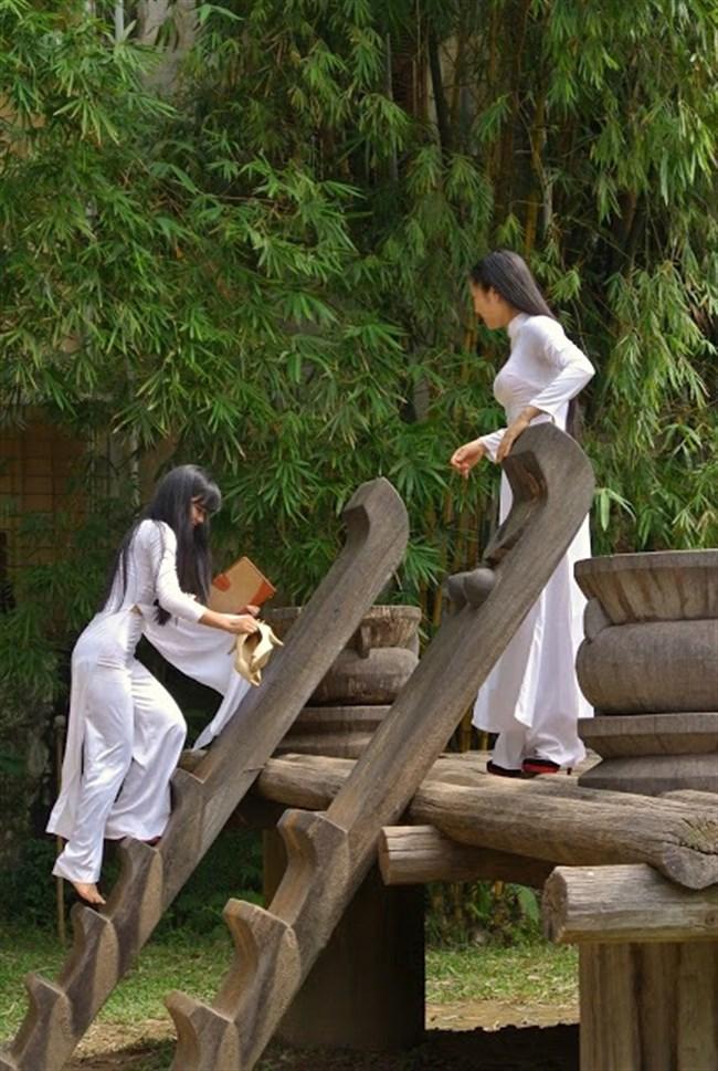 ベトナムのアオザイが透けまくっててえちえちwwwwww0003shikogin