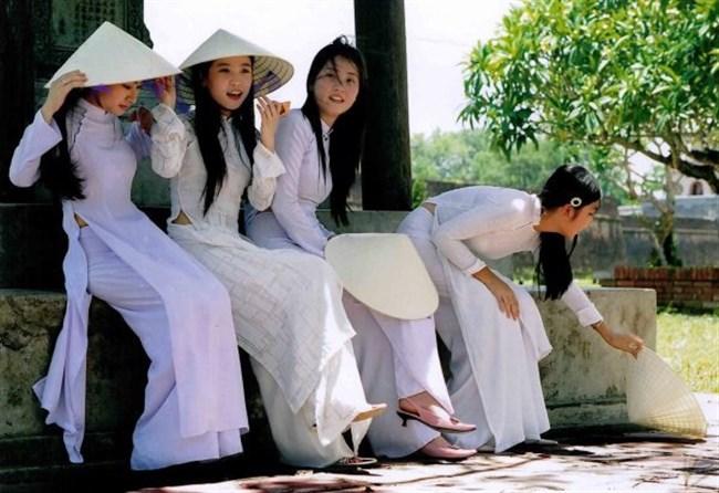 ベトナムのアオザイが透けまくっててえちえちwwwwww0007shikogin