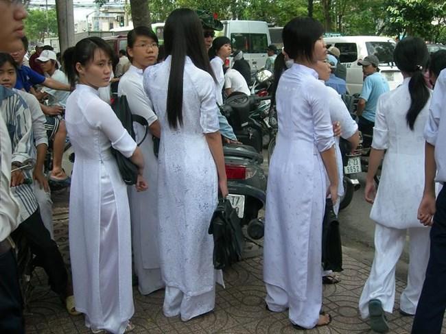 ベトナムのアオザイが透けまくっててえちえちwwwwww0017shikogin