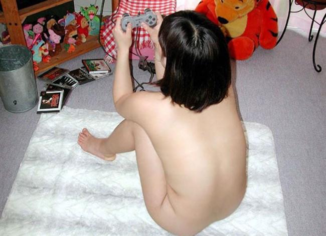 部屋着が苦手な女は自宅では常に裸族らしいwwww0009shikogin