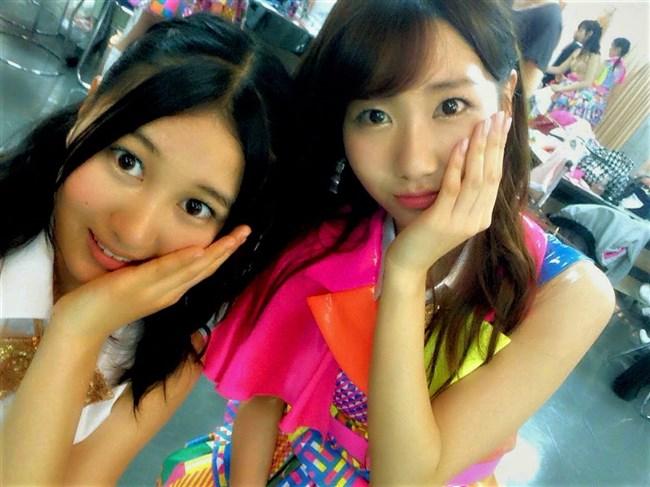 横島亜衿[元AKB48]~楽屋裏でバックに映ったベージュの下着姿が超エロかった最高の思い出!0002shikogin