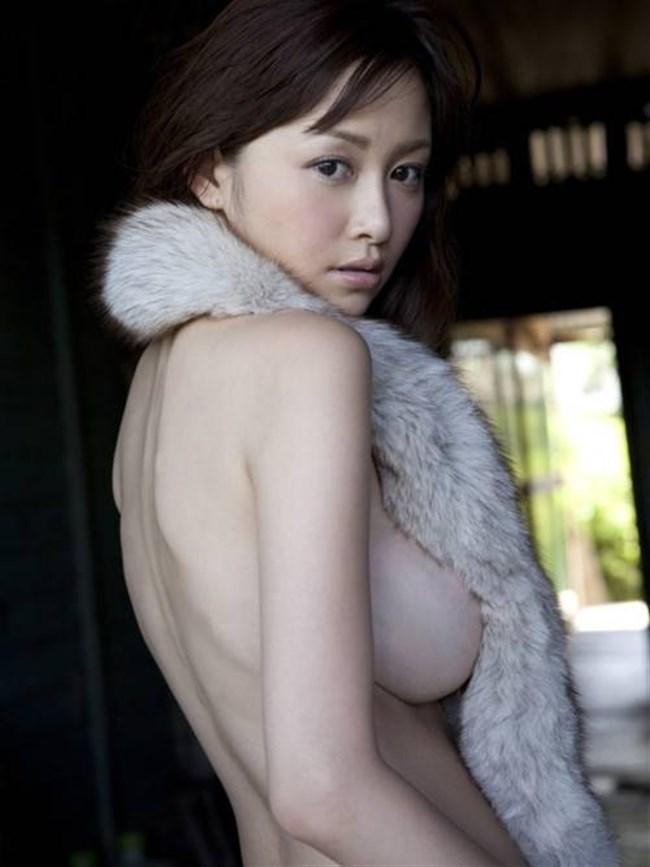 横乳や下乳がはみ出しまくりの巨乳娘がガチシコwwww0039shikogin