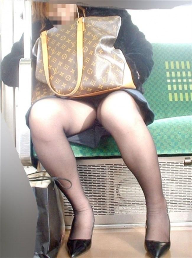 ミニスカなのに電車内で爆睡してしまったお姉さんの末路www0007shikogin