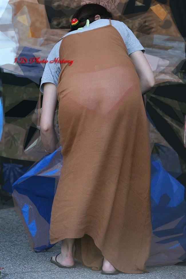 たまに見かけるパンティが完全に透けてる女性はいつまでも後を追いたくなるwww0004shikogin