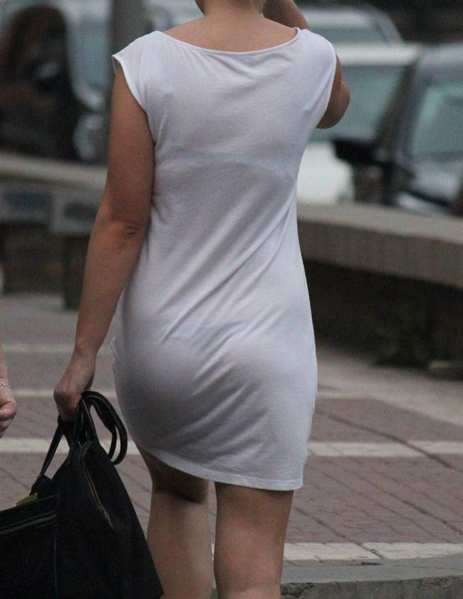 たまに見かけるパンティが完全に透けてる女性はいつまでも後を追いたくなるwww0005shikogin