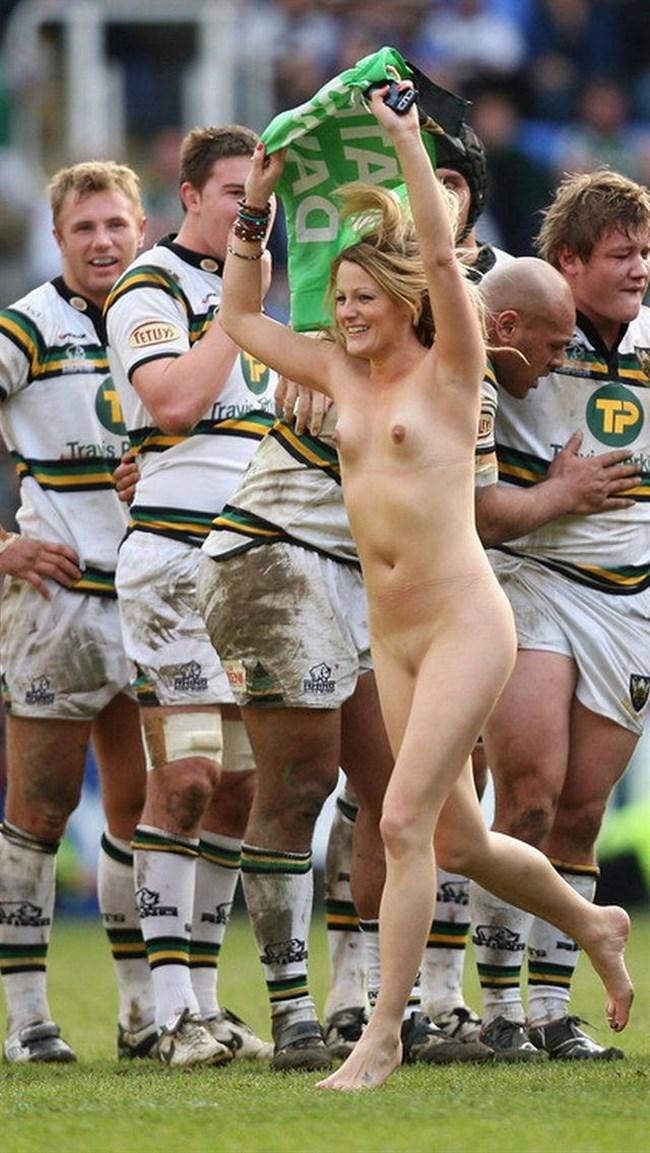 露出狂のまんさん、スポーツ観戦で大興奮した結果wwww0020shikogin