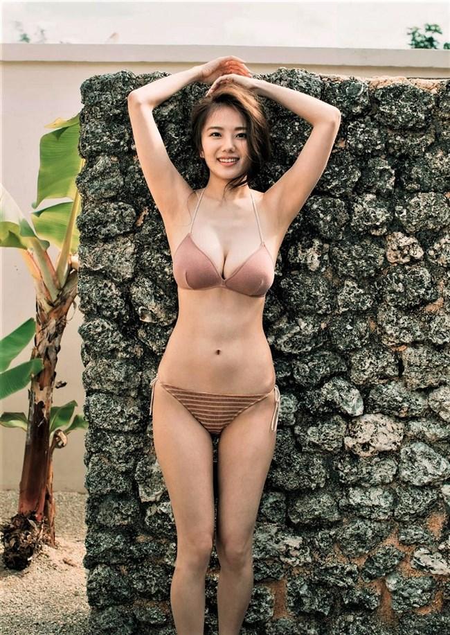 伊藤紗冶子~ヤンジャングラビアの水着姿は全身がエロ過ぎて完璧だわ!0008shikogin