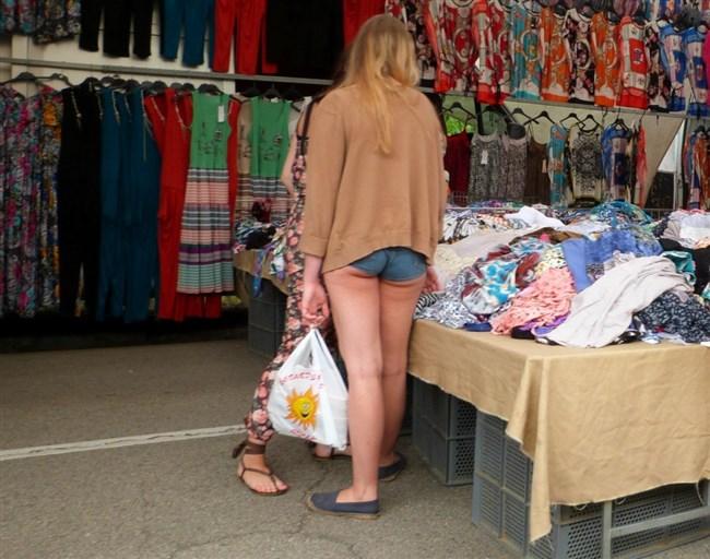 はみ出た下尻がえちえち過ぎなホットパンツとかいう平成のファッションを振り返るwww0002shikogin